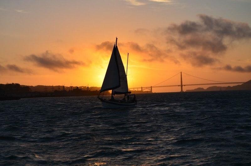 Západ slunce za Golden Gate Bridge