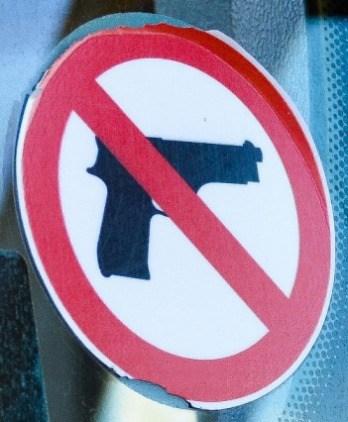 Zákaz zbraní