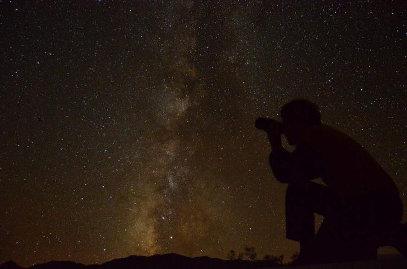 Noční obloha Death Valley