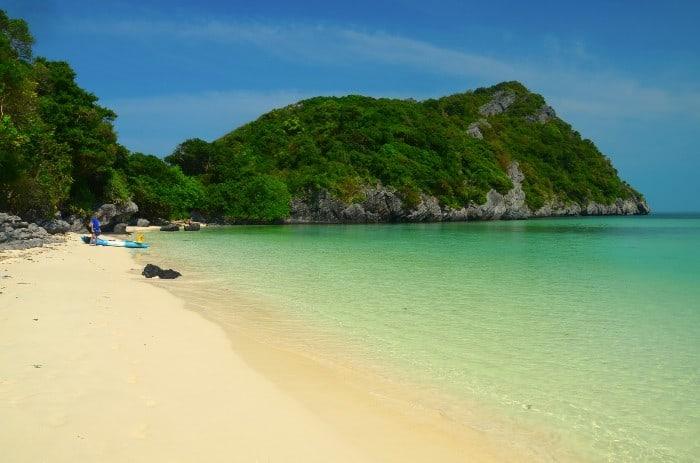 Liduprázdné pláže Ang-Thonského národního parku