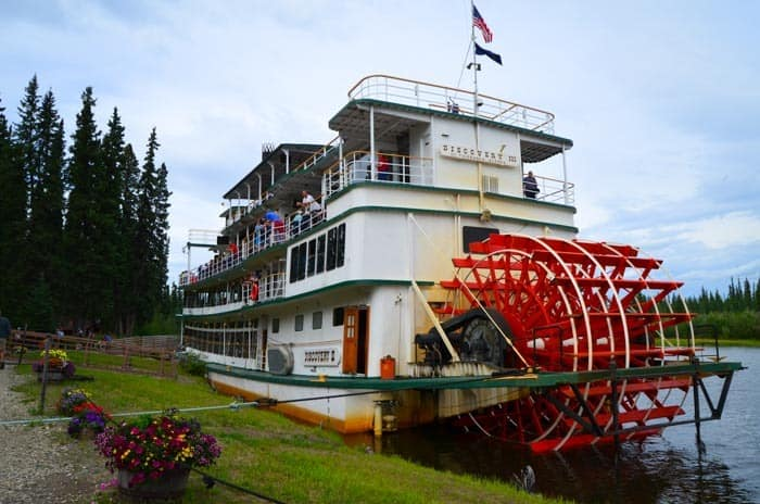 Riverboat Discovery - stop at the Athabascan Indian village