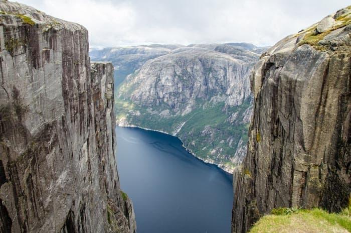 Výhled na Lysefjord z kopce Kjerag