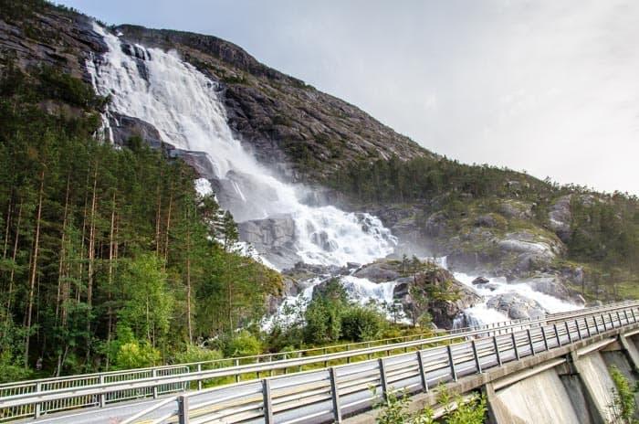 Dlouhý vodopád Langfossen