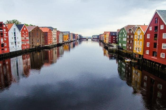 Trondheim - výhled z historického mostu Gamle Bybro