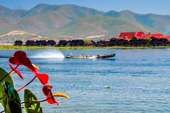 Village life, Inle Lake, Perfect vacation. Boat travel.