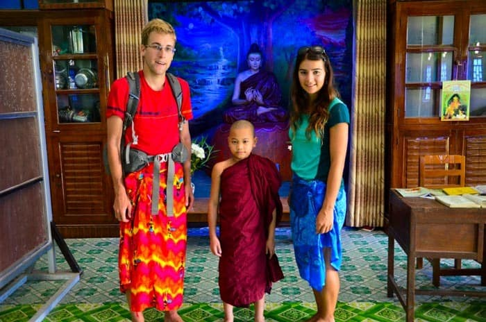 Our visit to the Myanmar monastery in Yangon. You can sleep in monastery while travel.