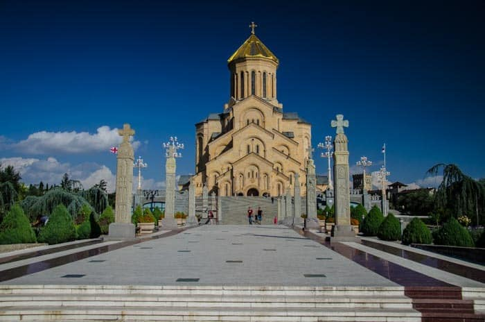 The Holy Trinity Cathedral is a monumental building. The best things to do in Georgia