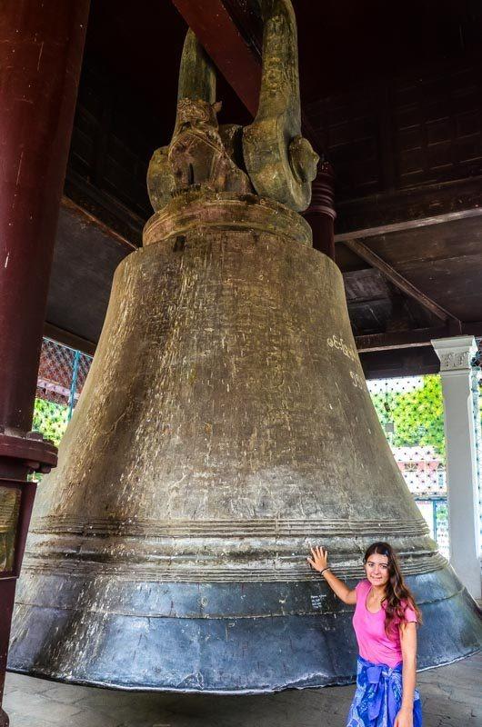 Pod zvonem z Mingunu si budete připadat opravdu drobní