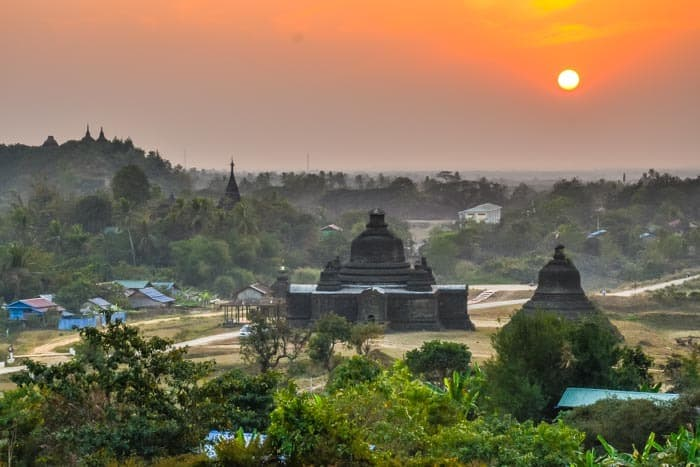 Mrauk U - Sunsets are magical and pleasure for all photographers!
