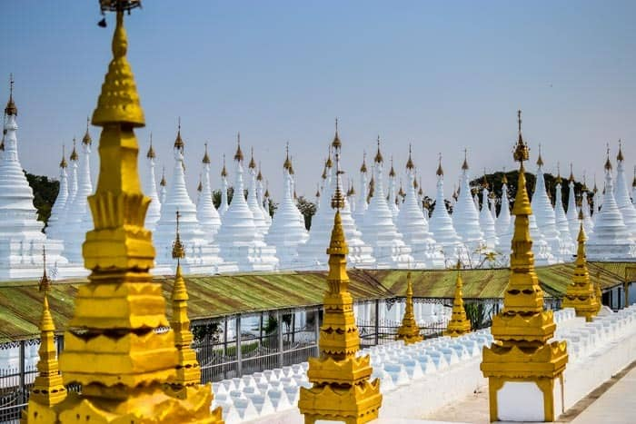 Stupas one next to each other - Sandar Mu Ni, Mandalay