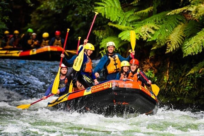 A jedeme ve stoje! Spodní část řeky Kaituna, Rotorua.