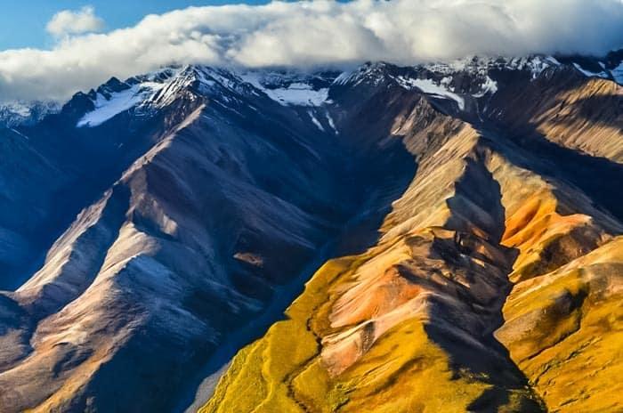 Kompletní průvodce po národním parku Denali. Plánujete jednodenní výlet nebo se vydáte stanovat? Jak zařídit povolení? Jak funguje doprava po parku?
