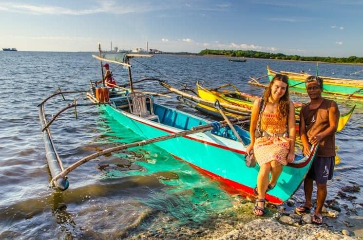 S takovouhle lodičkou vás místní rádi svezou na nedaleké ostrovy. Filipíny