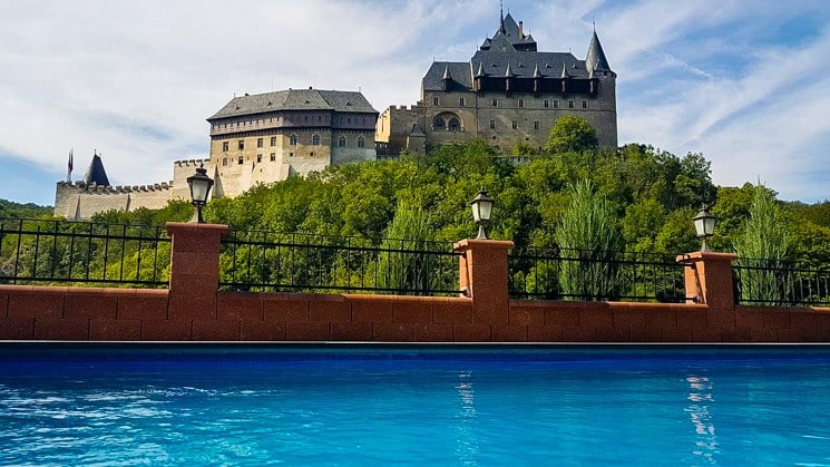 Hotel Karlštejn - Beautiful view of the castle directly from the pool