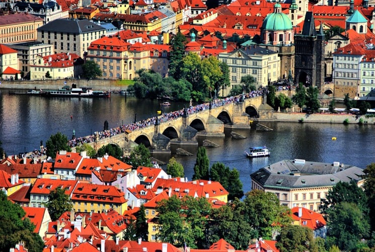 Charles Bridge, Prague – Local's guide: What to do + Facts, History, Statues and Legends