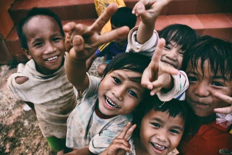 Než se stanete dobrovolníkem v zahraničí, dobře zvažte všechny výhody a nevýhody