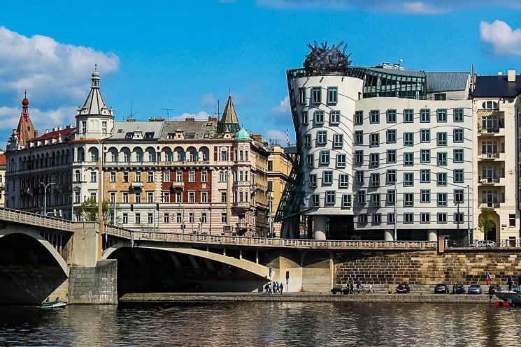 Tančící dům Praha - objevte galerii i právě probíhající výstavy
