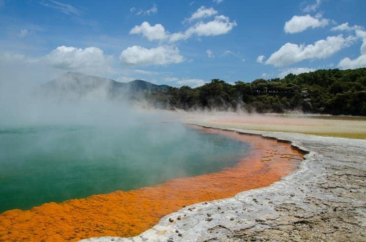 Wai-o-tapu: i nový Zéland má svou geotermální oblast