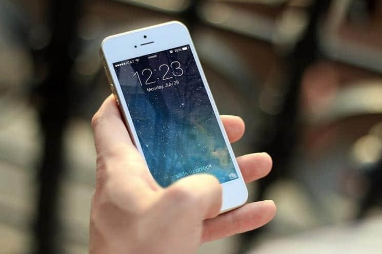 Mobilní telefon je skvělým pomocníkem při cestování