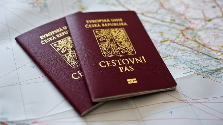 first minute - cestovní pas