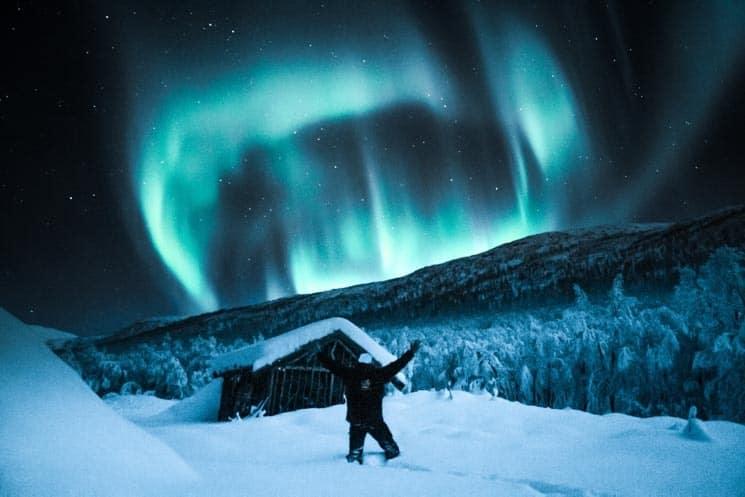 """Aurora Borealis může být nejprve nenápadný """"mrak"""", který se později rozzáří."""