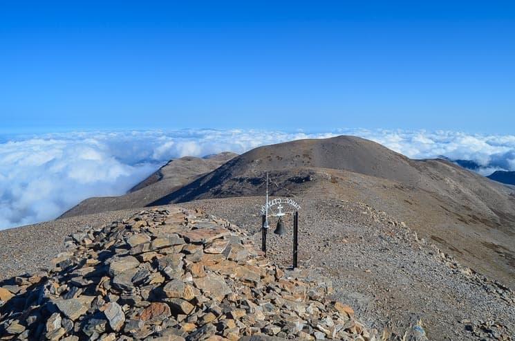 Výhled z nejvyššího vrcholu pohoří Psiloritis.  Kréta, Řecko
