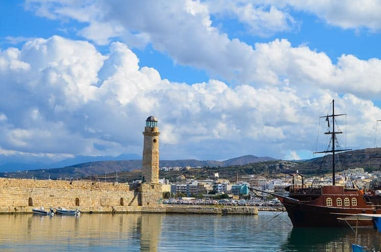 Kréta má spoustu malebných přístavů, Rethymno patří společně s Chanií mezi ty nejhezčí.