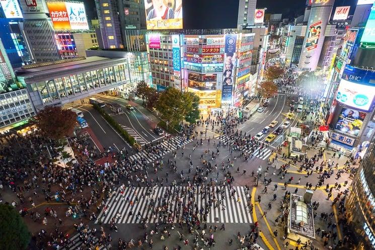 Nejrušnější křižovatka na světě - Shibuya Crossing