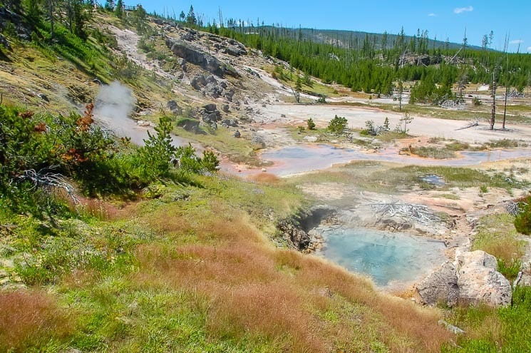 Yellowstone - Artists Paintpots - small but interesting Geyser Basin