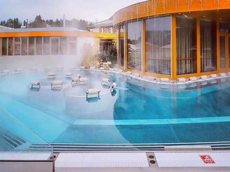 Maximus Resort.