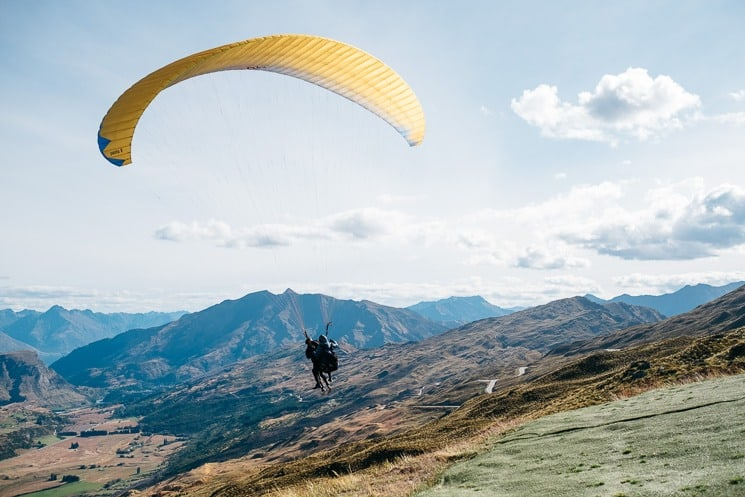 Best Things To Do In Queenstown -Paragliding