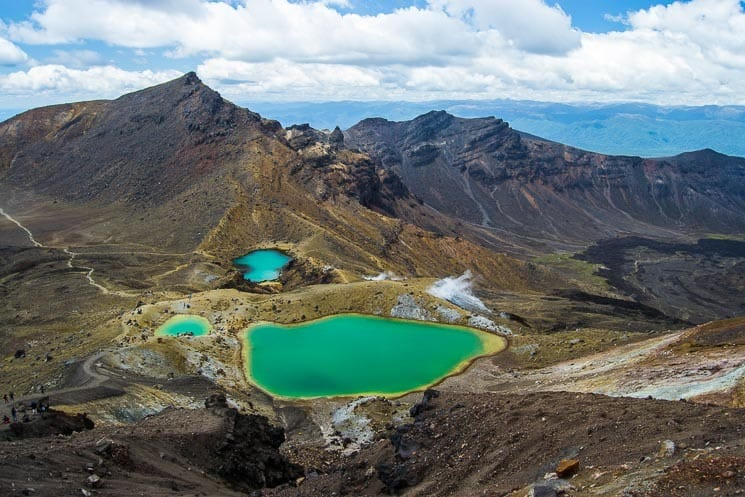 Tongariro Crossing - Emerald Lakes