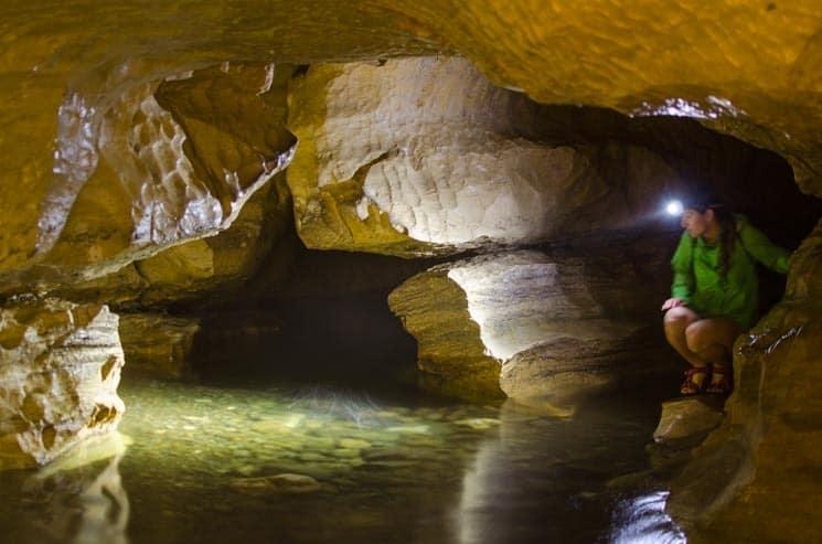 Jeskyně Cave Stream Scenic Reserve