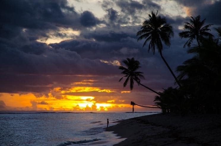 Západ slunce na Lalomanu beach, Upolu - Samoa