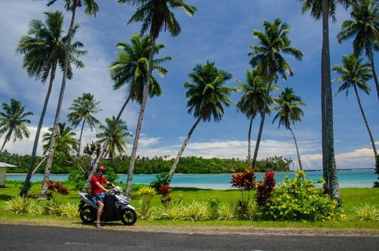 Samoa a pohoda na motorce - velký provoz tu nehledejte, ostrov Savai'i