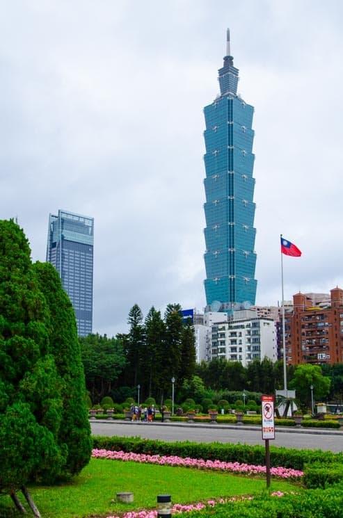 Taipei 101 byla mezi lety 2004 a 2010 nejvyšší budovou na světě