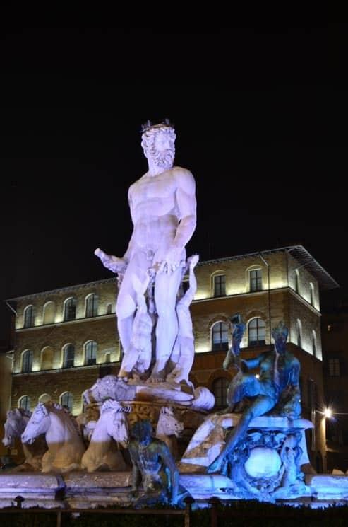 Neptunova fontána na Piazza della Signoria, Florencie