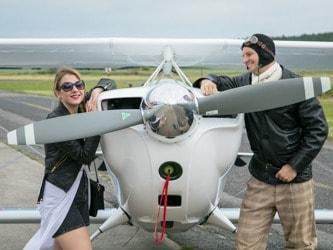 let akrobatickým letadlem jako dárek pro přítele