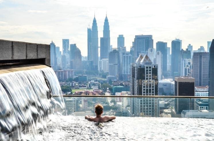 """""""Nekonečné""""střešní bazény mají své kouzlo., Kuala Lumpur"""