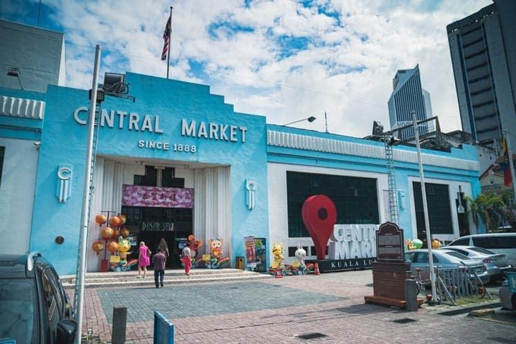 Kuala Lumpur Central Market -tržiště kde seženete suvenýry, tradiční batiku i mnoho dalšího.