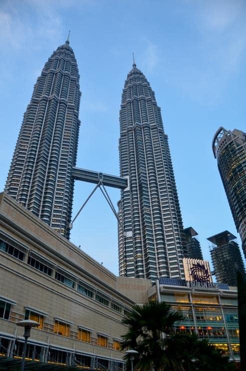 Pohled na Petronas Towers, Kuala Lumpur