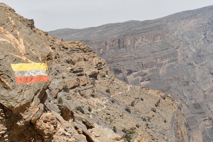 Horský trek pod nejvyšší horou Jebel Shams, Omán