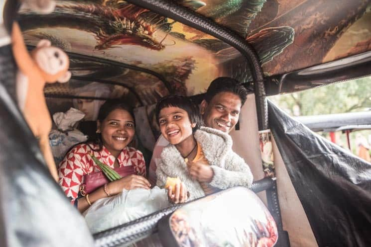Místňáci v tuktuku, Colombo , Srí Lanka