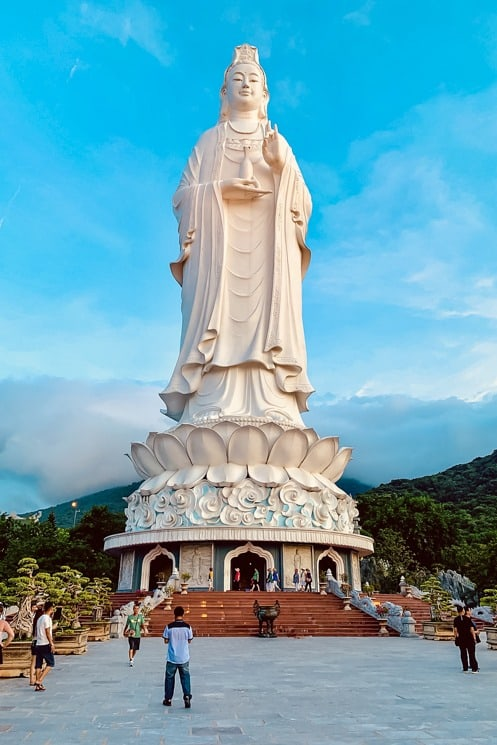 Lady Buddha, Saigon