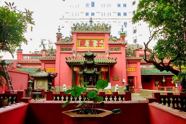 Temples in Vietnam (10)
