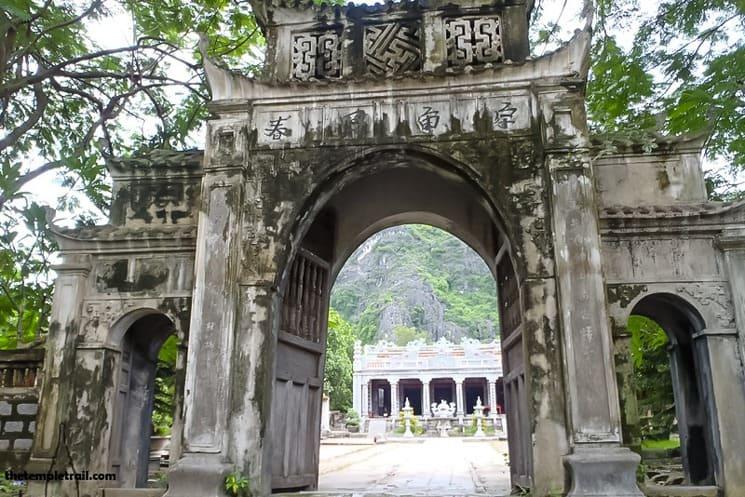 Temples in Vietnam (7)