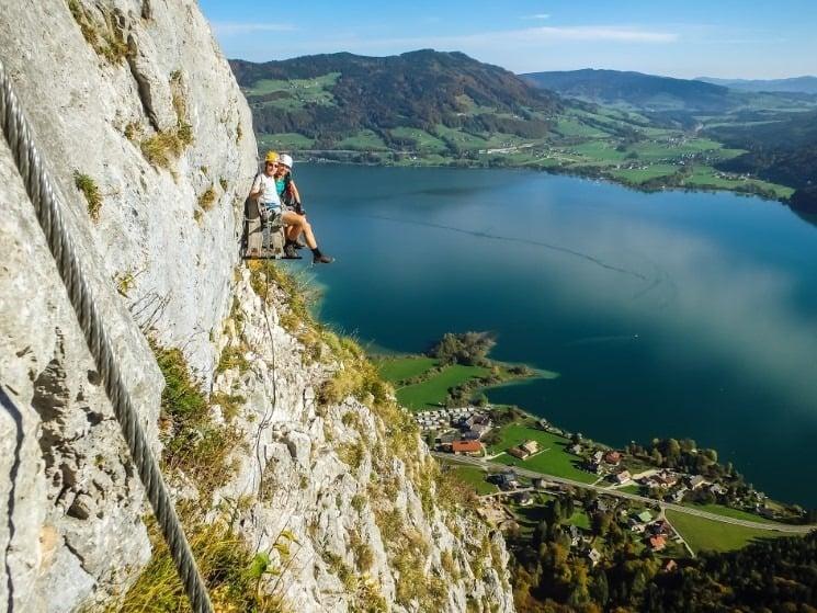 Vzdušná lavička na ferratě Drachenwand