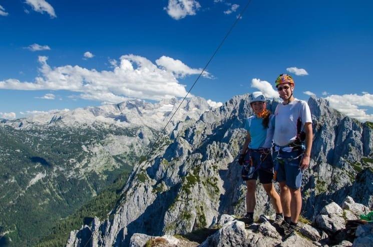 Ferrata Intersport - vrcholová fotografie - v pozadí Dachstein