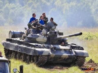 zážitkový dárek - jízda tankem (1)