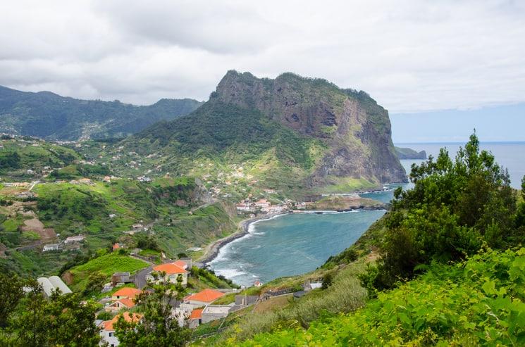 Přechod Madeiry - Pohled na Porto da Cruz